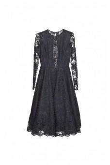 Suknia z czarnej koronki