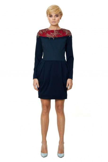 Granatowa sukienka z koronką włoską