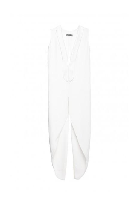 Biała suknia z dekoltem