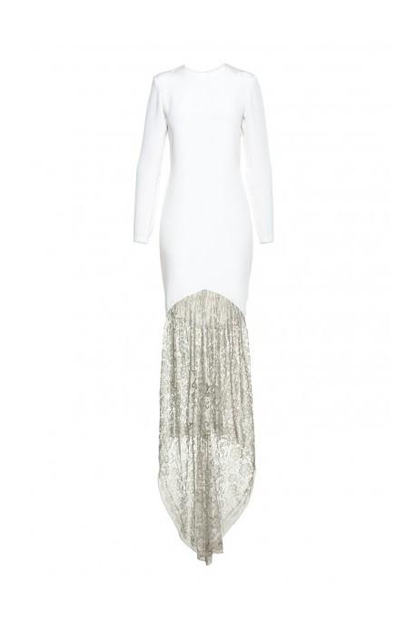 Jedwabna suknia z koronkowym trenem