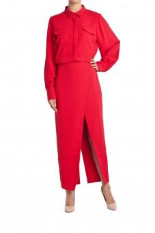 Sukienka czerwona z rozcięciem