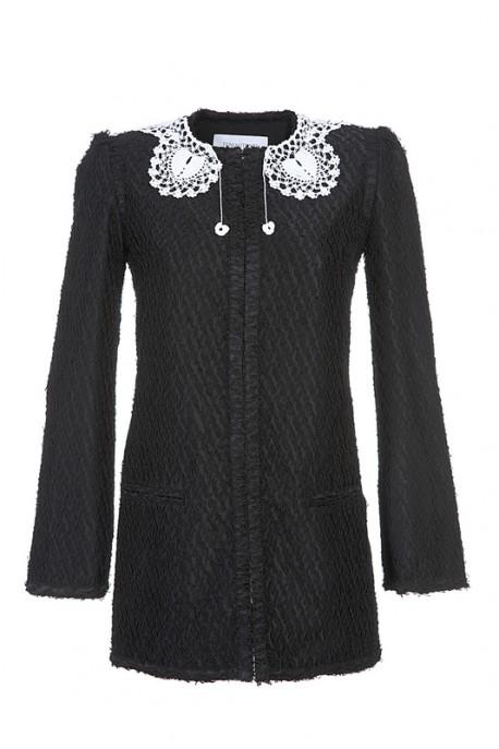 Czarna sukienka z ozdobą wstawką