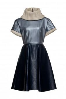 Niebieska skórzana sukienka