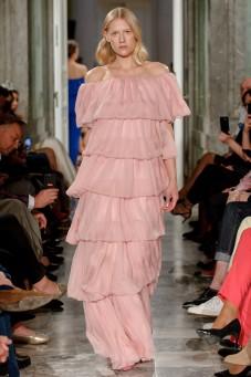 Różowa suknia z falbanami LaDorothée (NA ZAMÓWIENIE)
