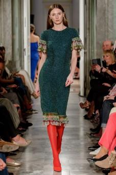 Sukienka z koralików i gipiurą LaDorothée