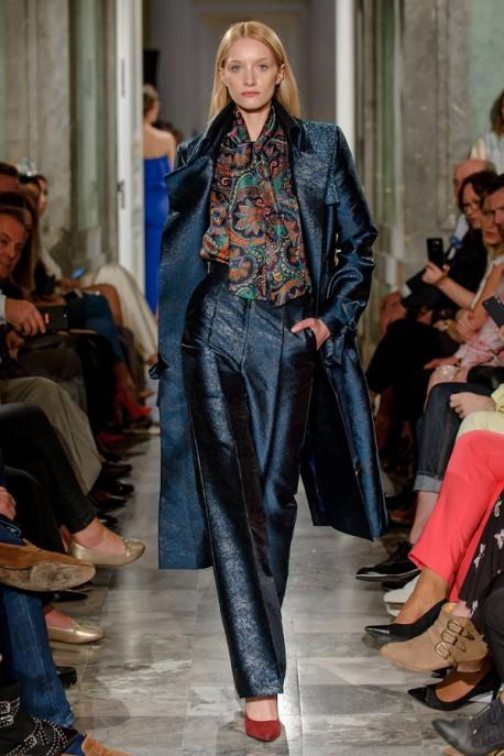 Granatowy płaszcz ze zdobieniem LaDorothée