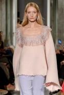 Sweter lilaróż z koronką LaDorothée