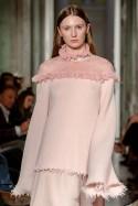 Sweter lilaróż wykończony szyfonem LaDorothée