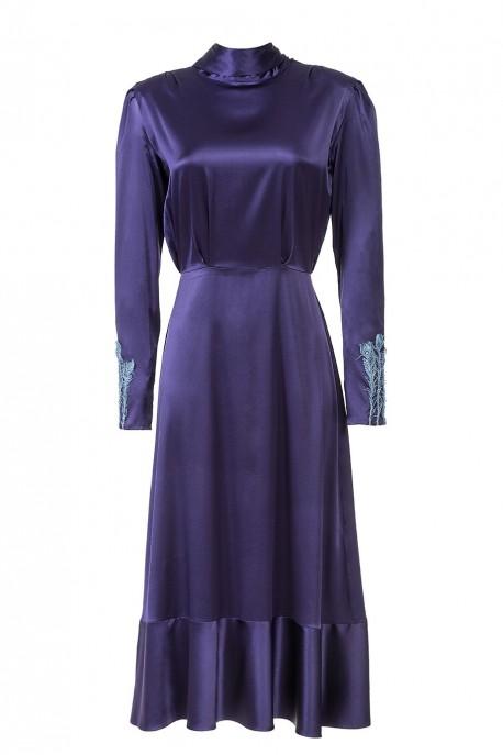 Fioletowa sukienka z falbaną LaDorothée